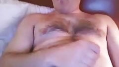 Daddy bear on bed 190219