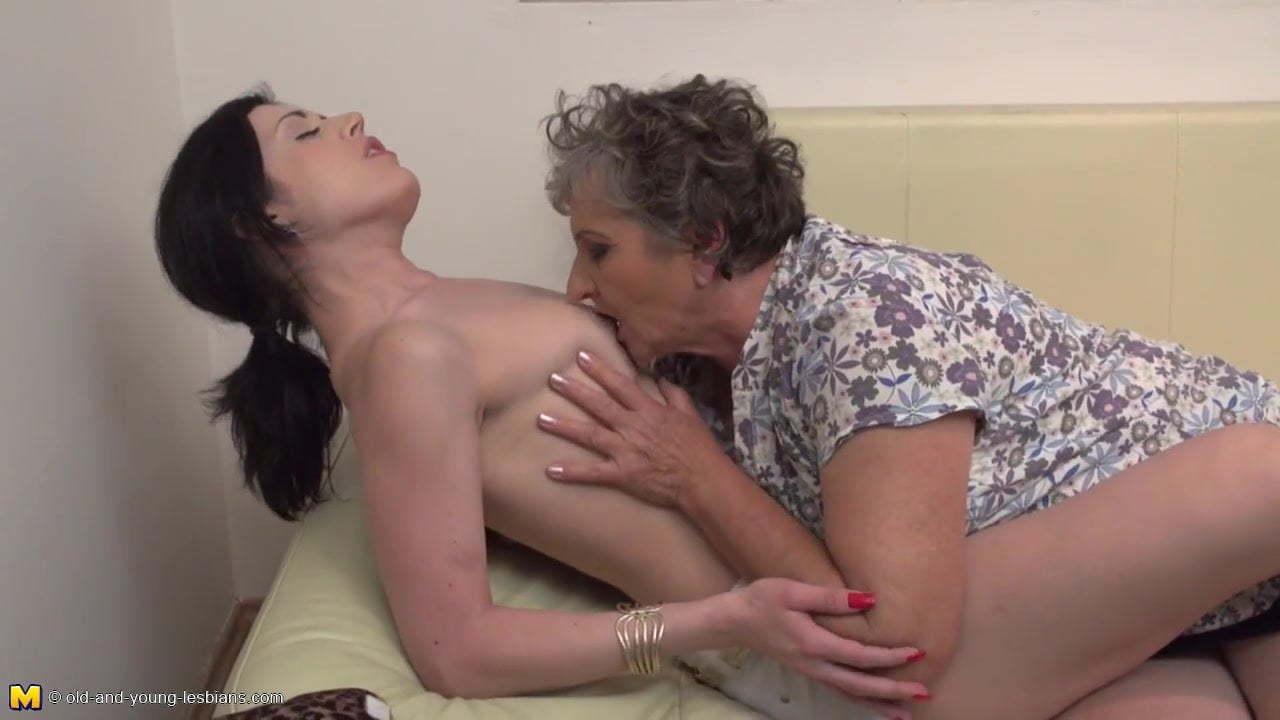 Milf Young Girl Lesbian