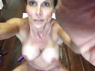 thin fit naked amateur milf creampie