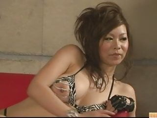 Penetration teasing girls - Asian babe ren teasing and double penetrated