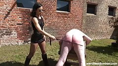 Learn from your Mistakes - Hard Caning from Czech Lady G