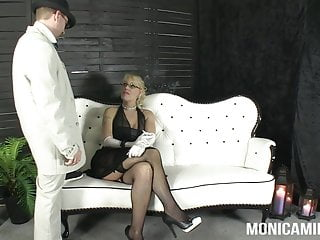 Vintage mature s stripping Monicamilf in a classic 30s porn video - norsk porno