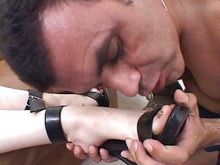 Foot girl guy lick - Guy licks girlfriends toes and gets bj on couch