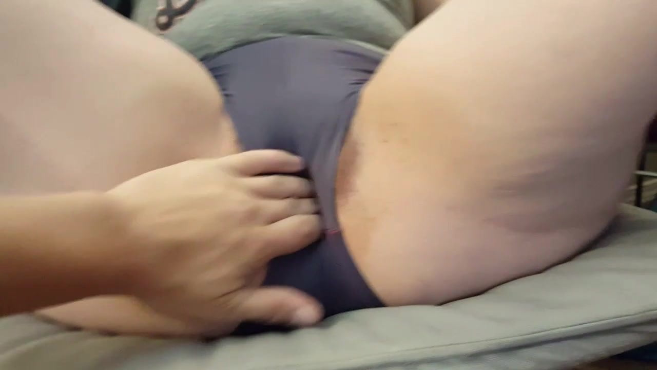 Camel toe massage