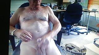 english daddy cums on cam