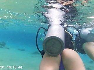 Www ryvita bikini com Mergulho com duas bucetinhas novinhas de bikini