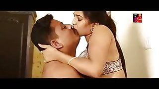 Hot Dubai Sheikh has sex with hot Indian bhabhi