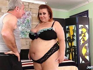 Erotic masseur ladies stories - Masseur pleasures mature bbw lady lynn