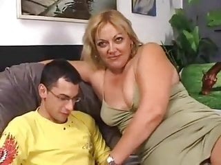 Guy has sex with nautica - Mature giantess has sex with a younger guy