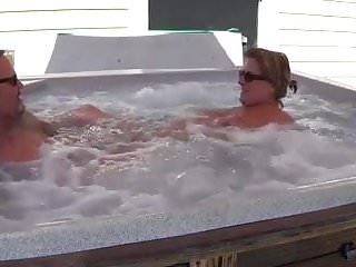 Hot tub hardcore - Bear fucks his wife in hot-tub