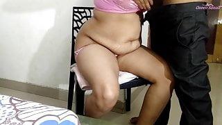 Bahan Ki Hotel Me Chair Par Kutiya Banakar Gaand Marri