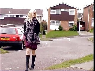 Pee desperate accident - Super hot blonde blonde desperate public peeing