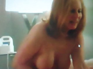 Mature women looking for fuckbuddies Mature sara wanking her fuckbuddy