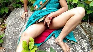 Big Ass Stepmom Fucked Outdoors - risky public sex