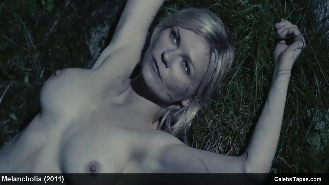 Kirsten Dunst Naked