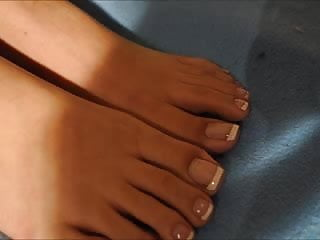 Use the pedi paw to masturbate Ff24 tias french pedi