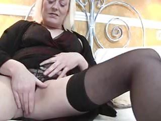Footjob fantasy annalees videos Saucy british mother gets her puss annalee