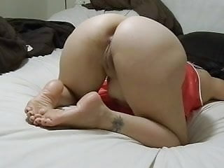 Nice normal size tits - Size 5 feet, nice ass and tiny pussy. no cum