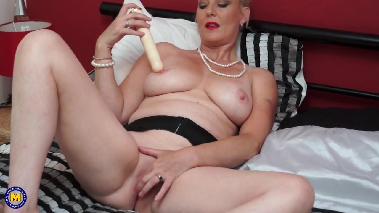 Nackt  Betsy-Blue English Amanda Tapping
