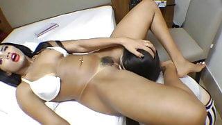 brazilian sucking pussy until orgasm