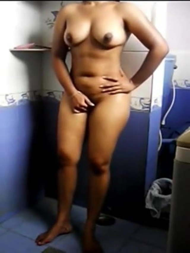 Girl Fingers Herself Bathroom