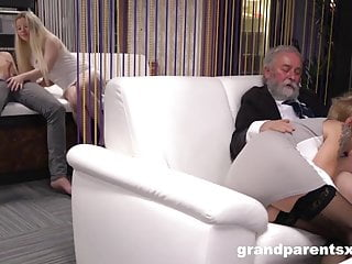 Granny hardcore sex videos - Fucked up grand slam foursome
