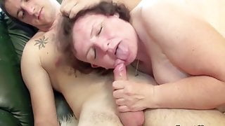 lovely chubby big ass lady finds and fuck young guy