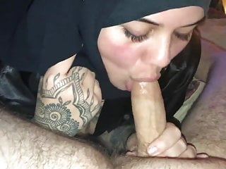 Nude girl blow job - Arabian girl blow job in hijab