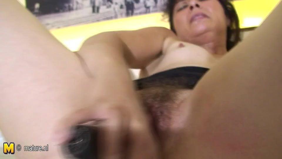 Wet Hairy Pussy Closeup Hd