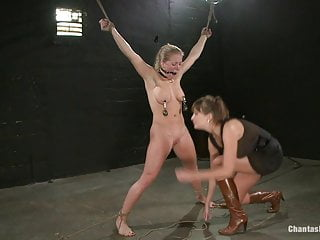 Building block for latex Woman has cinder block tied to her pussy dropped