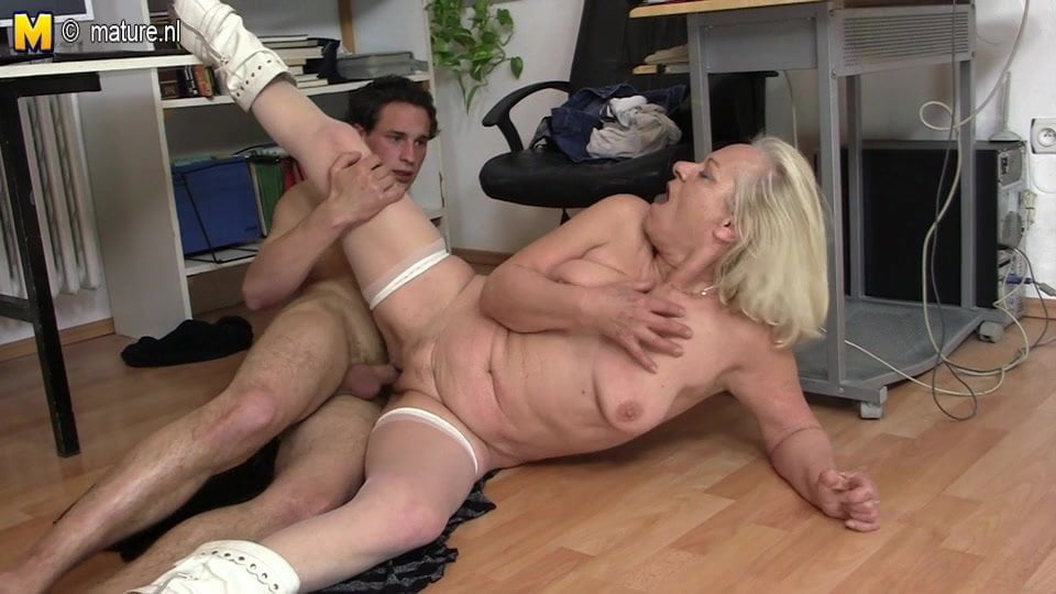 Milf Fucks Young Stud Homemade
