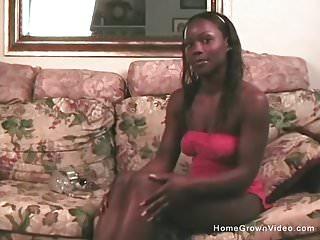 White black lesbos fucking Black on white lesbo action
