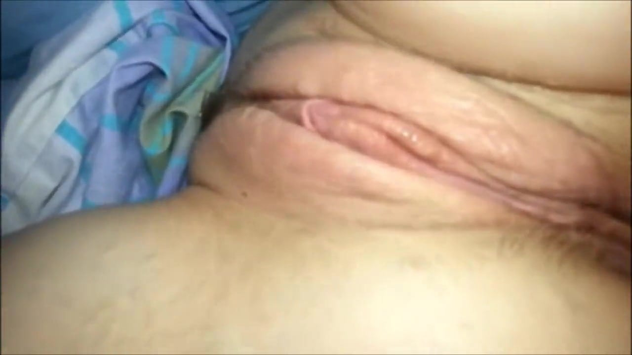 Mommy Loves Eating Pussy