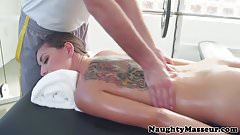 Massage amateur squirting before fucked