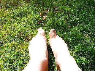 My vintage baby spring - My nyloned spring feet garden