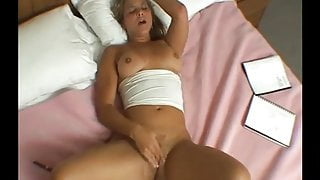 Sexy chick in bed with a diny dick