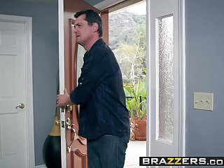 Jan teen model Brazzers - teens like it big - anal quickie with teenie jan