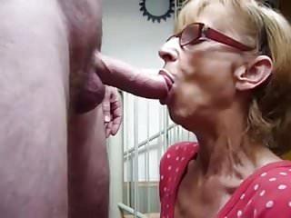 Blowjob love cum - Grannie love cum