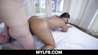 Rose Monroe Fucks Johnny With Her Big Booty