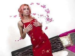 Sexy skinny girrl - Sexy skinny mature wife and mom needs a good fuck