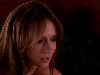 Sitara hewitt naked - Jennifer love hewitt cleavage hd