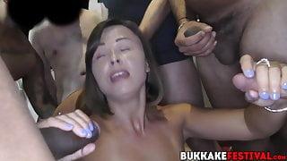 Brunette goddess Jamie Rae sucks dicks at interracial party