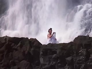 Bollywood celebrities sex videos Bollywood mandakini raam teri ganga maili