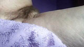 Sluttygranny fucking her pussy and ass