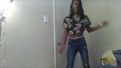 ME DANCIN TO KELIS TS CRYSTYL