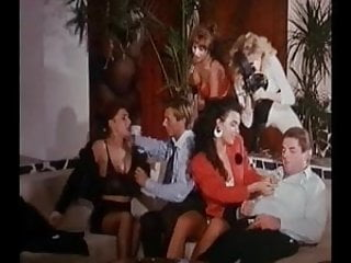 Atries pornos Infinitamente porno 1994 full vintage movie