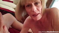 La bionda matura fa felice il sesso di blocco
