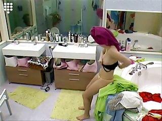 Escapadevideo nl xxx - Big brother nl hot blonde teen girl in string putting on bra