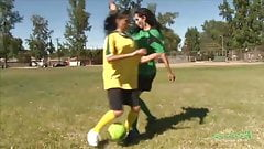 Футбольные лесбиянки, часть 1
