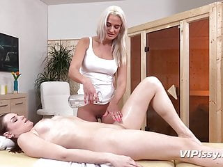 Urges to push during sex Naughty babes with urinary urges